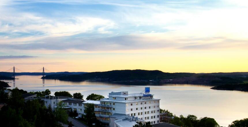 Skymningsbild på Bohusgården