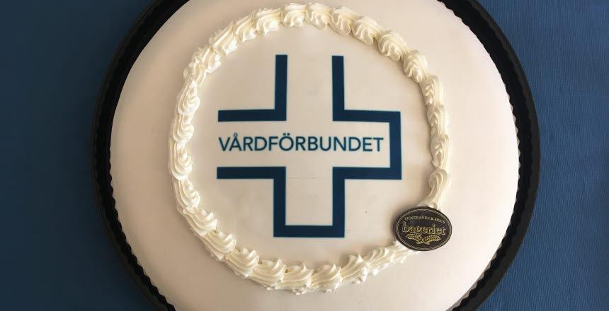 Tårta med Vårdförbundslogga