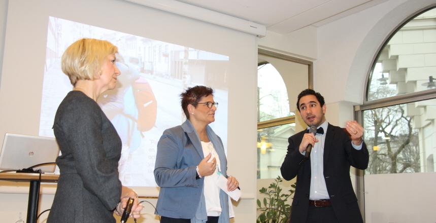 Lisbeth Löpare – Johansson, vårdstrategisk chef för Vårdförbundet tillsammans med förbundsordförande Sineva Ribeiro och Ardalan Shekarabi, civilminister.
