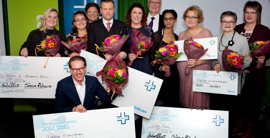 Pristagare Vårdförbundspriset 2017. På Vårdgalan 20 oktober. Alla slutkandidater samt SIneva Ribeiro och Anders Ydenius Folksam.